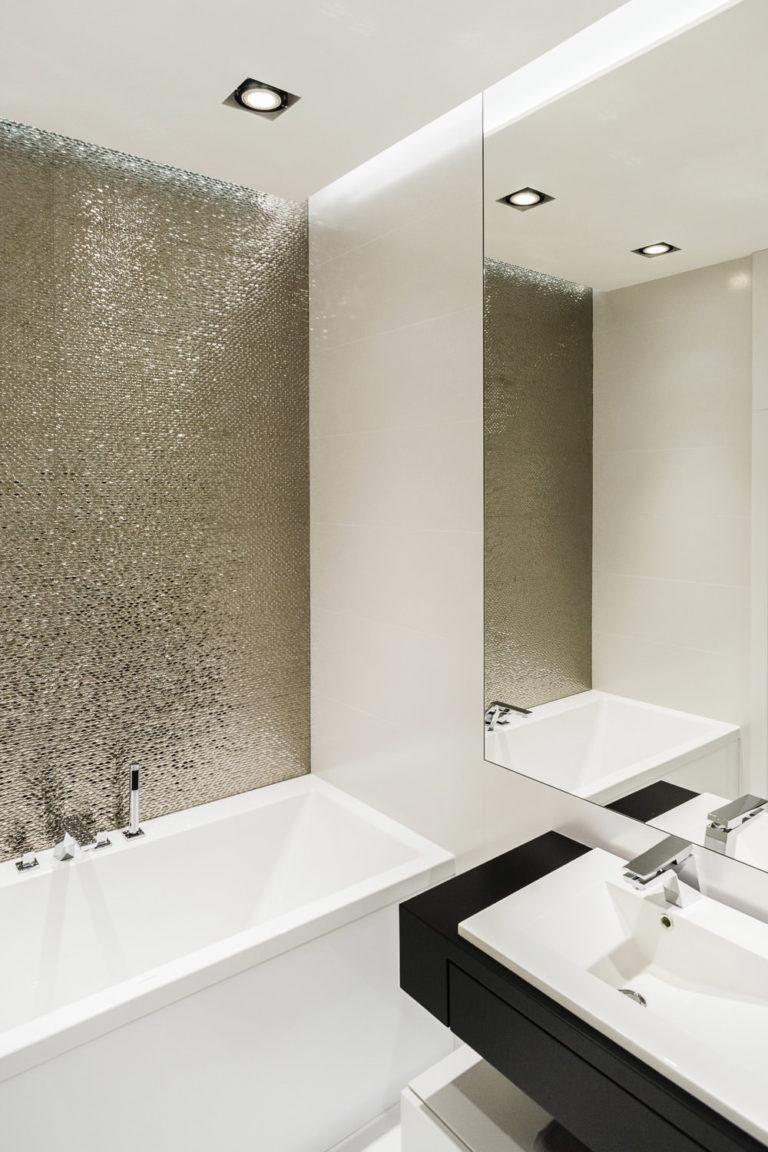 bagno_luminoso- interior design